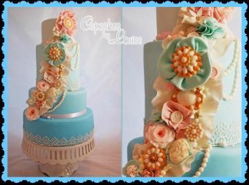 Vintage Brooch Cake (1)