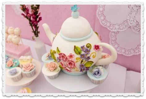 Alyanna Teapot Cake