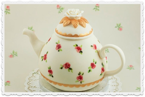 Delicate Roses Teapot